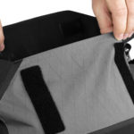 apidura-backcountry-accessory-pocket-4l-feature-easy-opening-hires