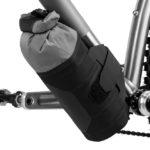 apidura-backcountry-downtube-pack-1.8l-on-bike-3