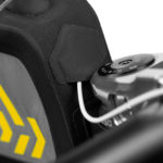apidura-backcountry-long-top-tube-pack-1.8l-feature-cable-port-hires