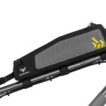 apidura-backcountry-long-top-tube-pack-1.8l-on-bike-1-hires
