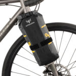 apidura-expedition-fork-pack-4.5l-on-bike-1-hires