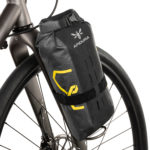 apidura-expedition-fork-pack-4.5l-on-bike-2-hires