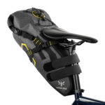 apidura-expedition-saddle-pack-14l-on-bike-2-hires
