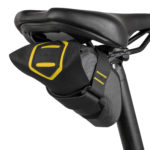 apidura-expedition-tool-pack-0.5l-on-bike-2-hires