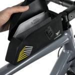 apidura-racing-bolt-on-top-tube-pack-1l-opening-hires