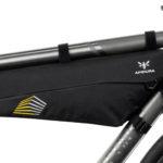 apidura-racing-frame-pack-4l-on-bike-1-hires